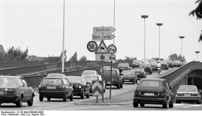 Bonn, Stadtverkehr auf der Reuterbrücke